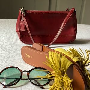 Vintage leather Coach mini purse 👛 RED